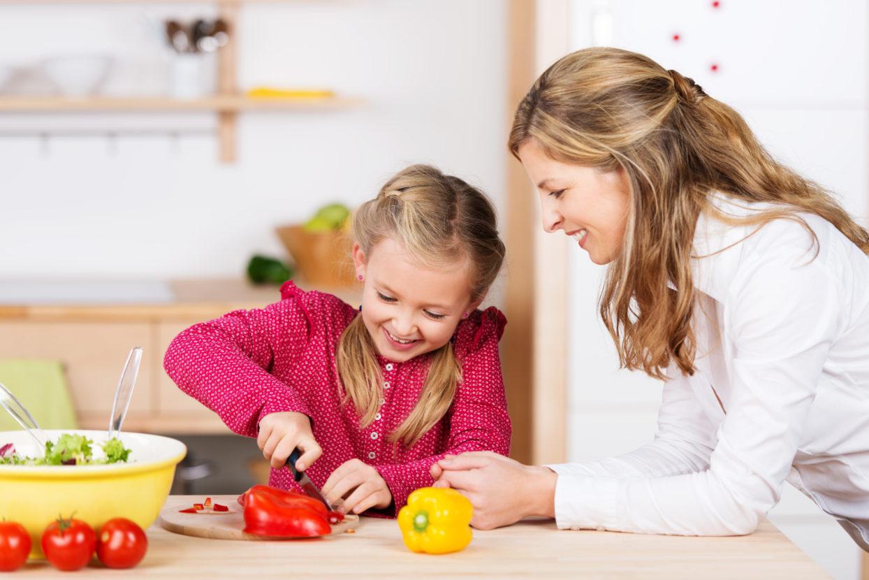 ده راهنمایی ساده برای اینکه الگوی تغذیه و زندگی سالم برای فرزند خود باشیم