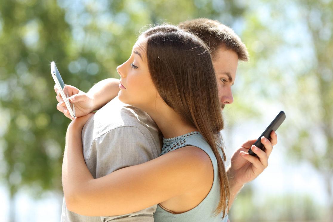 اعتیاد به تلفن های هوشمند