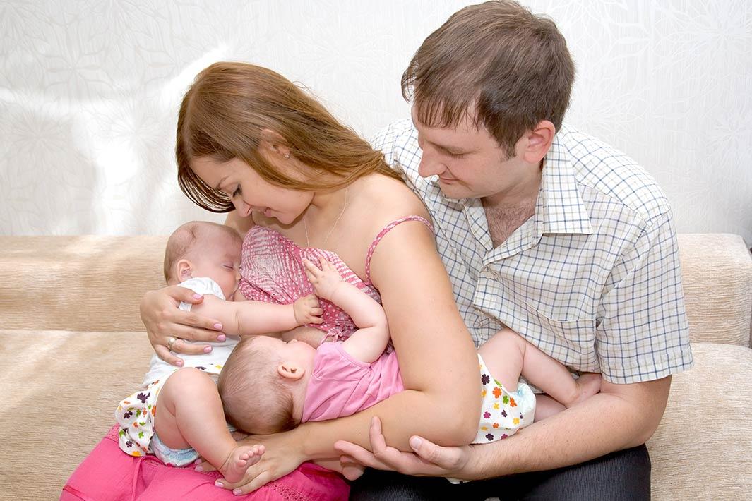 شیردهی به نوزادان دو قلو