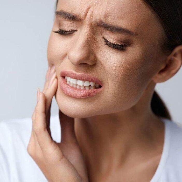 استرس و اضطراب چگونه سبب دردهای فک، صورت و دندان می شود ؟