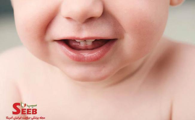 مراحل دندان در آوردن کودک و راهکارهای تسکین درد