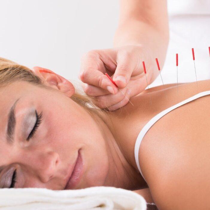 اثرات و فواید طب سوزنی در کنترل درد