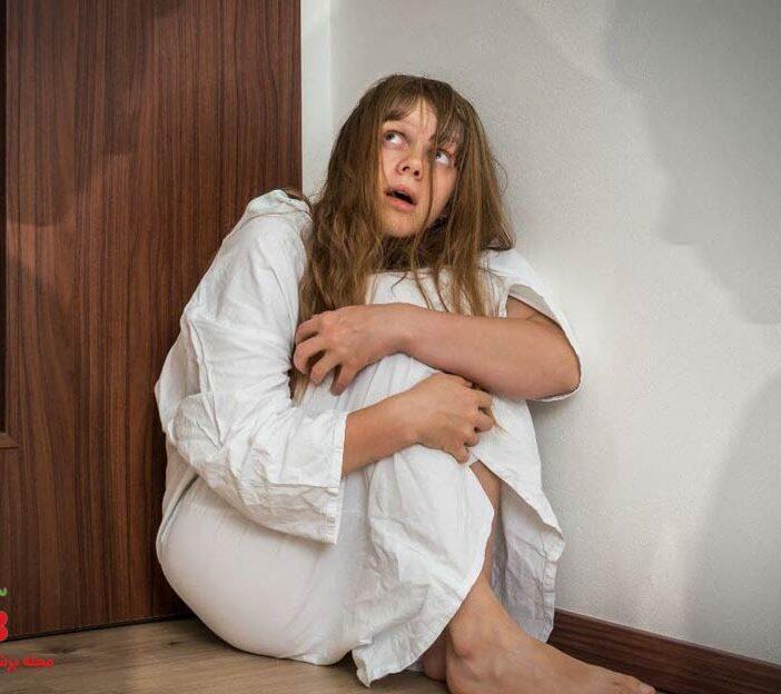 اسکیزوفرنی چیست ؟ علائم، درمان و راه کار های روانشناسی آن کدامند ؟